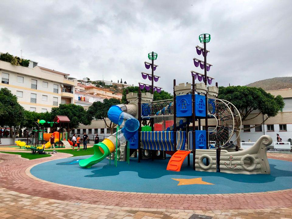 Parque infantil en Albuñol