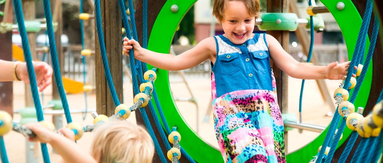 5 Razones Por La Que Los Ninos Deben Jugar Mas En Los Parques Infantiles