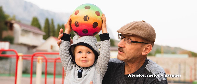actividades al aire libre entre abuelos y niños